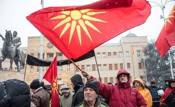 Manifestantes en contra del cambio de nombre de Macedonia en la capital del país, Skopie, esta semana