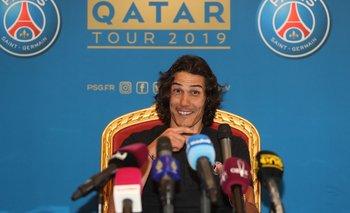 Cavani en la gira de PSG por Catar