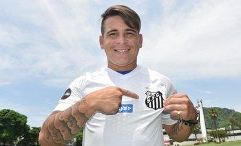 Yeferson Soteldo fue presentado como nuevo jugador de Santos