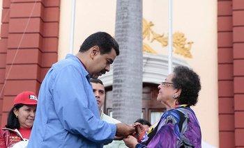 María León, la suegra de la diplomática uruguaya, fue condecorada por Maduro en dos oportunidades