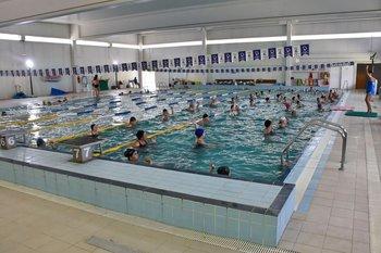Las piscinas cerradas quedarán habilitadas sólo para uso terapéutico o comunitario, no para uso deportivo.