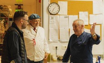 Los cocineros argentinos Fernando Trocca y Francis Mallmann junto a Wolfgang Puck