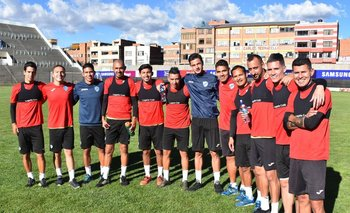 Los jugadores de Bolívar se preparan para el debut en la Libertadores 2019