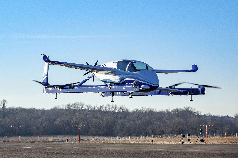 Prototipo de auto volador hace su primer vuelo de prueba