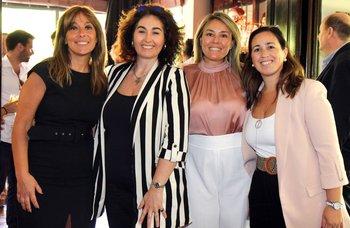 Claudia Raveca, Patricia Borno, Victoria Pedrina y Lucia Fernández