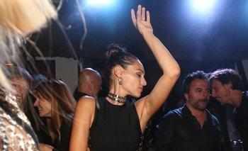 Pampita bailando en la fiesta de Giuseppe Cipriani