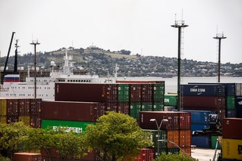 Vista del puerto de Montevideo.