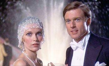 """Mia Farrow y Robert Redford en el film """"El gran Gatsby"""", de 1974, basado en la novela de Scott Fitzgerald sobre los años 20"""
