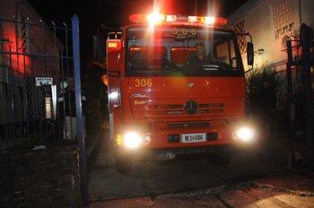 Bomberos logró extinguir el fuego de la vivienda unas horas después