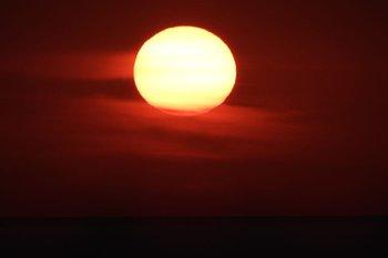 El día y la noche en el hemisferio norte y en el sur tendrán la misma cantidad de luz solar.