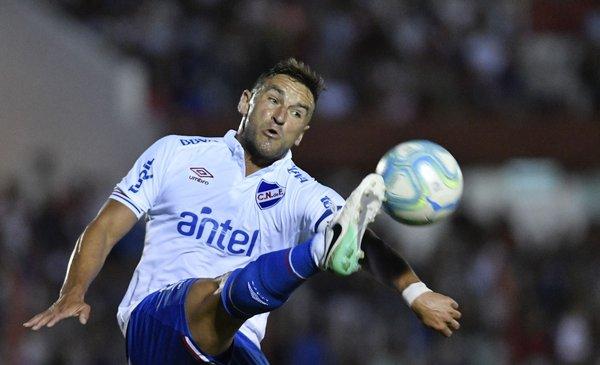 Bergessio recibió tres partidos de suspensión por su expulsión ante Plaza