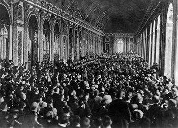 Firma del tratado de Versalles en el Salón de los Espejos, 28 de junio de 1919 (Encyclopædia Britannica, Wikipedia)