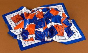 Un pañuelo diseñador por Carrau por fuera del concurso de Hermès