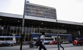 Las sucursales del Banco República estarán cerradas durante este lunes por un paro resuelto por AEBU