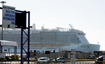 Un crucero con 7.000 pasajeros fue impedido de llegar a Roma por sospechas de coronavirus