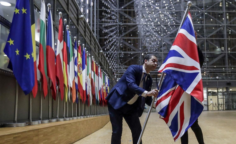 Reino Unido rechazará a los migrantes poco calificados