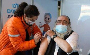 En la jornada de vacunación israelí se le ha dado prioridad a los mayores de 60 años.