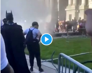 Batman no apareció entre manifestantes pro-Trump en Washington