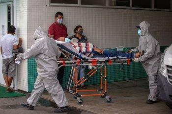 Traslado de paciente con covid-19 en Brasil