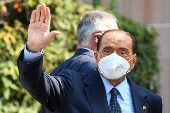 Silvio Berlusconi fue dado de alta este sábado