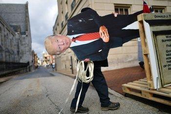 El libro de la una exsecretaria de prensa de la Casa Blanca relata otro lado de la administración de Donald Trump
