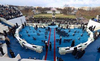 El escenario al costado del Capitolio en la mañana de este miércoles