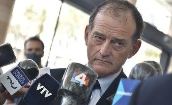 """Guido Manini Ríos sostuvo que no le sorprende que suene el nombre de Pereira como posible candidato para presidir el Frente Amplio: """"Es lógico"""", opinó"""