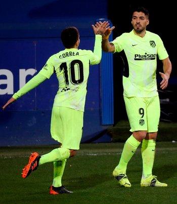 El festejo con Ángel Correa: 1-1