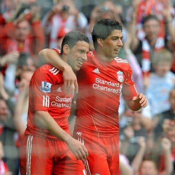 Suárez y Maxi Rodriguez en Liverpool