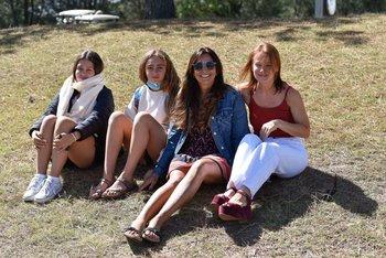 Emilia Sere, Federica Sere, Patricia Pintos y Silvina Viola