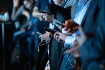 Un debate que crece cada vez más sobre la importancia de la tecnología en nuestra vida cotidiana.