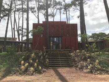Rizoma, librería, cafetería, hospedaje, taller de cerámica situada en La Juanita.