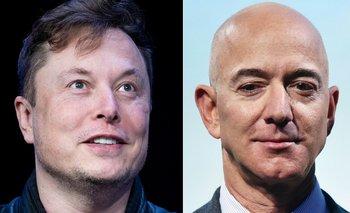 El líder de Tesla, Elon Musk (izquierda); el CEO de Amazon, Jeff Bezos (derecha)