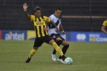 Facundo Torres marcado por Facundo Labandeira