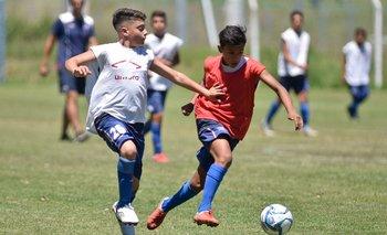 Juveniles en una práctica de Nacional