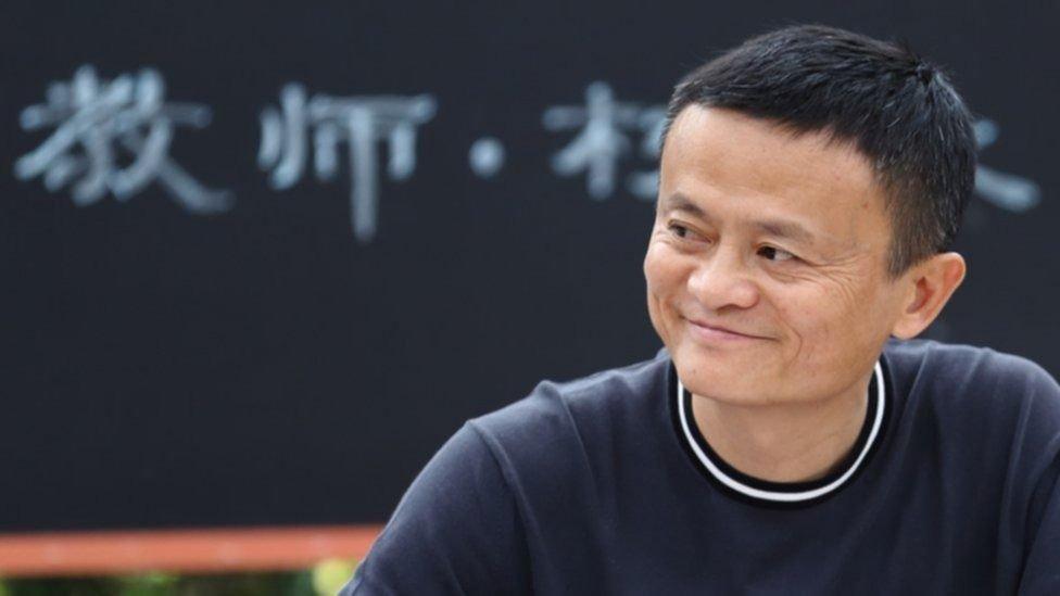 Reaparece el multimillonario chino Jack Ma tras meses