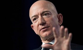 Bezos también es dueño del diario Washington Post.