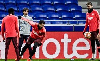 Suárez en el estadio de Lyon en un entrenamiento previo al partido frente a Olympique