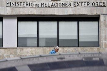 """Uruguay instó al """"diálogo"""" para lograr la paz en Colombia, donde al menos 24 personas fueron encontradas muertas"""