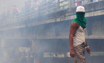 Debía ser el día en que Venezuela iba a recibir ayuda humanitaria y acabó siendo una jornada violenta.