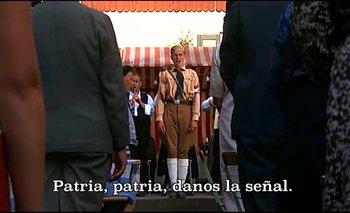 """""""El mañana me pertenece"""", canta un joven nazi en el film """"Cabaret"""""""