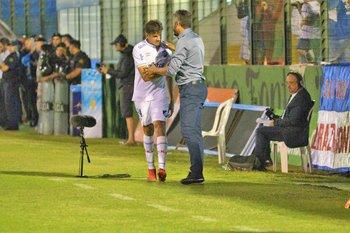 El paraguayo Miguel Jacquet, no estuvo efectivo en su debut en Nacional