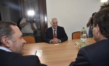 Yoed Magen, embajador de Israel, junto a las autoridades del gobierno uruguayo