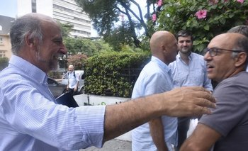 El ministro de Trabajo saluda al vicepresidente del PIT-CNT, Marcelo Abdala