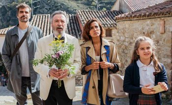 Felipe (Nacho López), Emilio (Oscar Martínez), Julia (Inma Cuesta) y Blanca (Mafalda Carbonell)