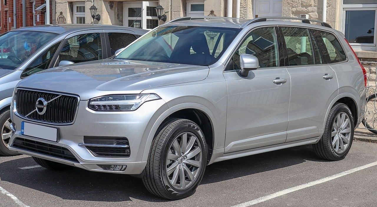 Geely y Volvo consideran combinación de negocios