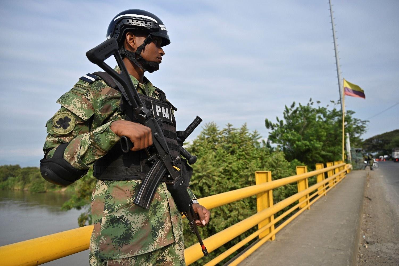 Guerrilla del ELN anuncia paro armado en Colombia y Gobierno alista ofensiva