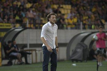 Contra Cerro en el debut oficial