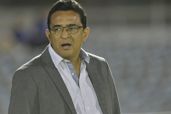 Danielo Núñez tuvo una fuerte discusión con Christian Ferreyra por el penal que les cobró en contra, y fue expulsado