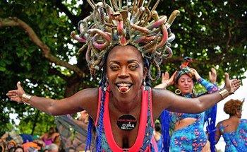La vigente campeona, Mangueira, traerá el domingo uno de los desfiles más punzantes.